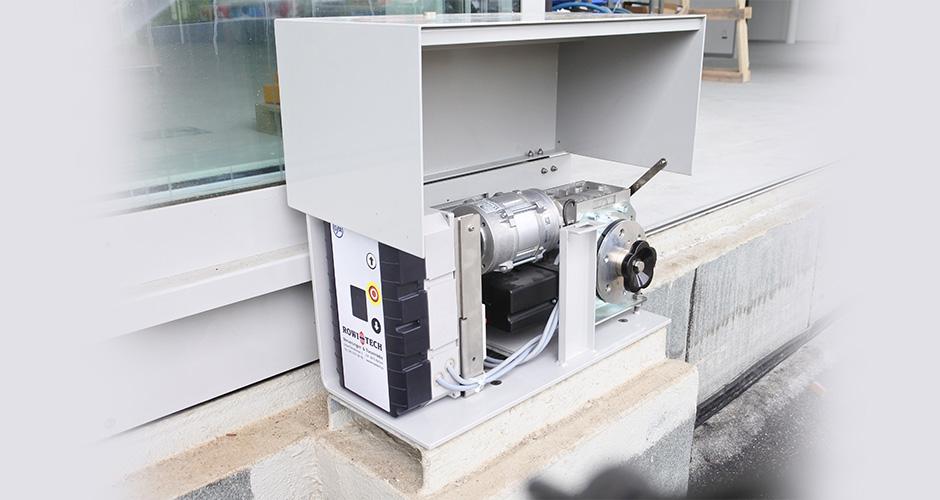 FST 75 Frequenzumformer an einem Schiebetor mit dem GfA-Elektromaten ST16.24
